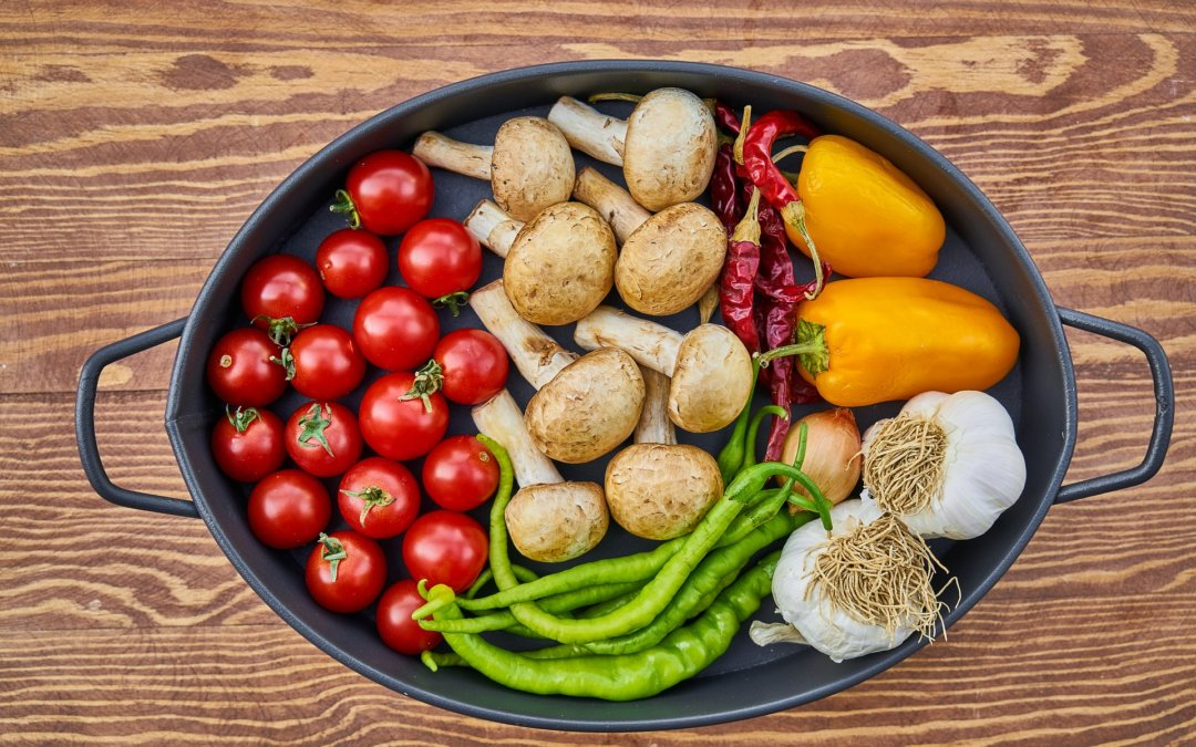 Migraine et aliments : ceux qui la déclenchent, ceux qui la préviennent